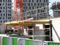 Poutres support en prévision du coulage des balcons - Façade Sud