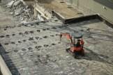 Piquetage du toit en toit pour faciliter la destruction (fragilisation)