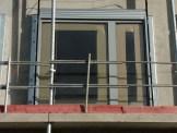 Petite porte-fenêtre de l'appartement témoin