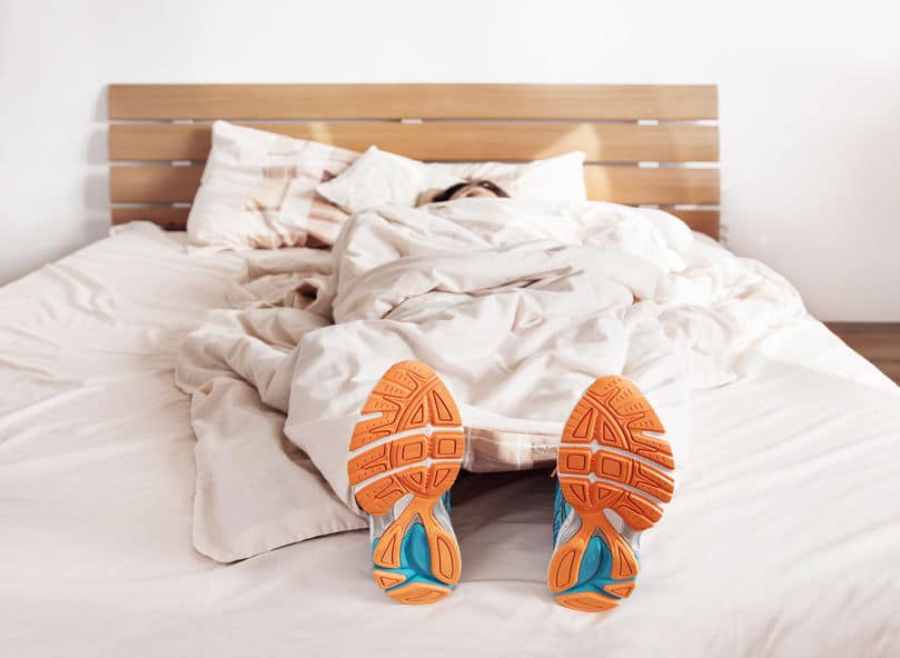 femme soulier lit