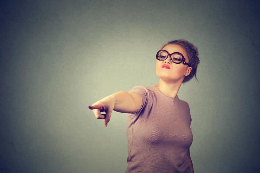 femme lunette pointe