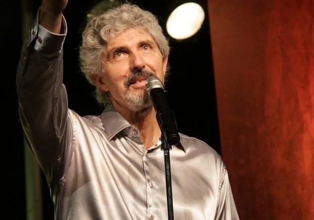 Alain Rossi, chanteur, interprète.