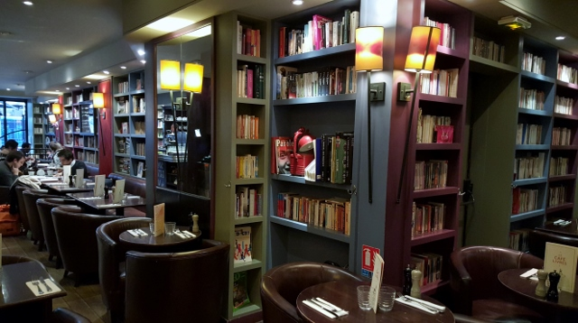 Le Café Livres (2)