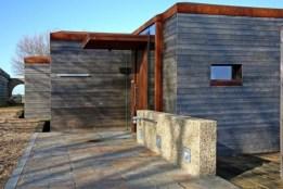 Модный деревянный дом