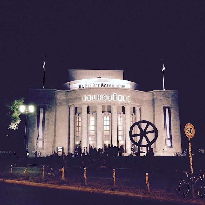 Volksbühne am Rosa-Luxemburg-Platz the first night after the neon-sign «OST» was taken down from the rooftop in the night from 24th to 25th of June 2017 | Photo: Norbert Bayer
