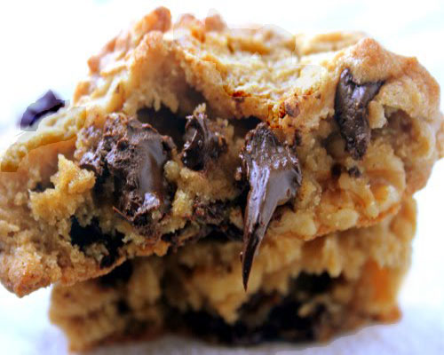 Levain Copycat Chocolate Chip Cookie