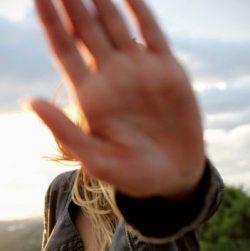 Hand philipp-wuthrich-2HMrBMbbbYg-unsplash sq