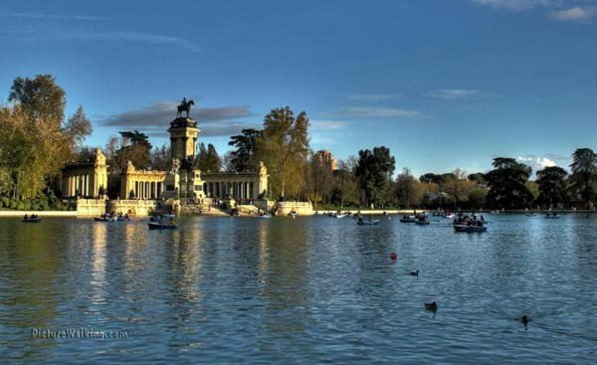 Retiro Park Pond