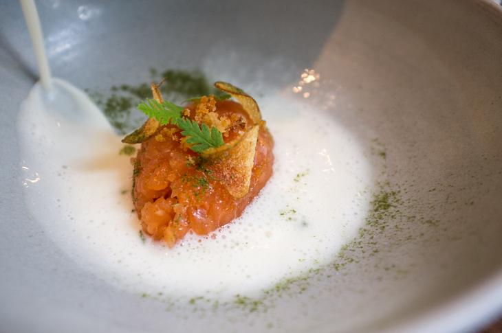 Passagem Gastronômica - Tartare de Salmão - Restaurante The Clove Club - Londres