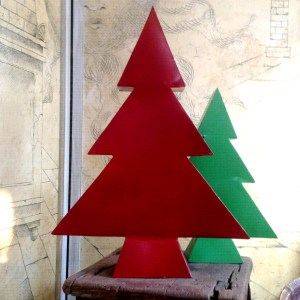 Morrison_Polkinghorne-Passementeries-tin-christmastree_large-red
