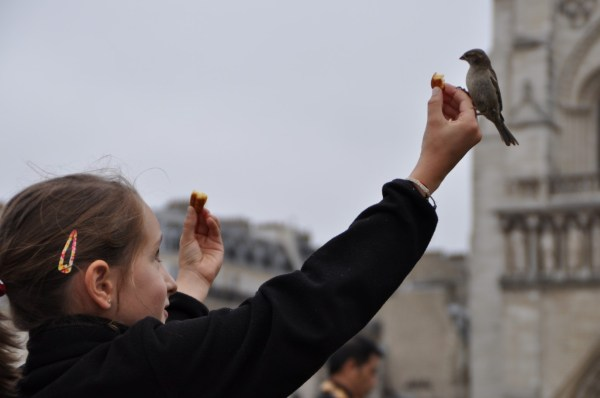 Yes, this little girl in Paris was happy... and fascinated...
