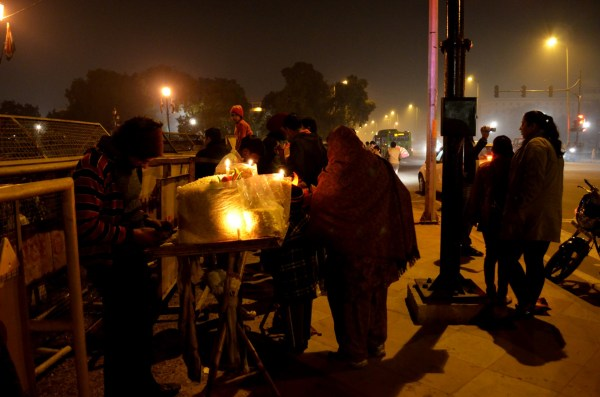 Vendors on the streets of Delhi - At India Gate late in the evening