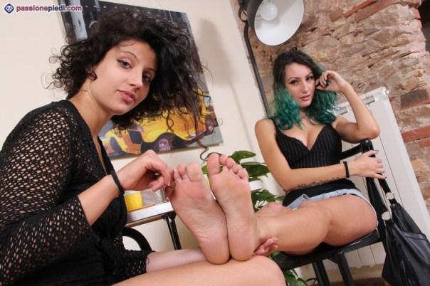 passione-piedi-tessathena-tavolino01-142