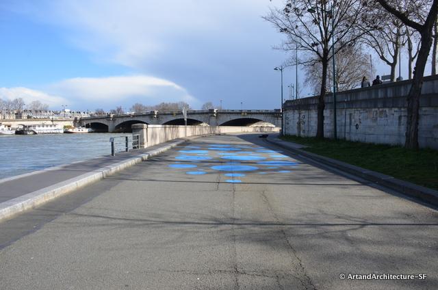 Art work along the Seine