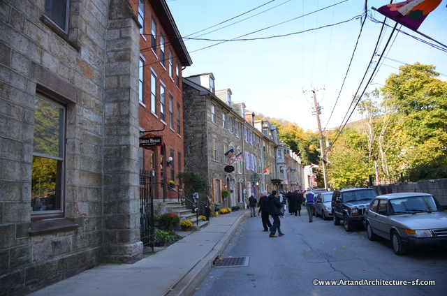 """The narrow streets and old stone buildings help to give Jim Thorpe the nickname """"Switzerland of America"""""""