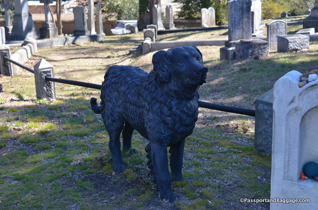 Said to be a favorite of visitors, there is really no indication of who the dog belongs to or if it is the dogs grave.