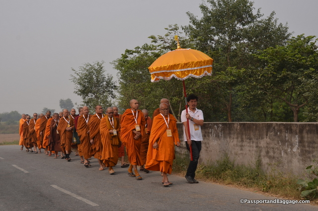The walk to the stupa in Sankasya to open the Tapitika Ceremony