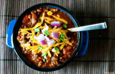 Super Easy Feed a Crowd Slow Cooker Chili - Pass The Sushi