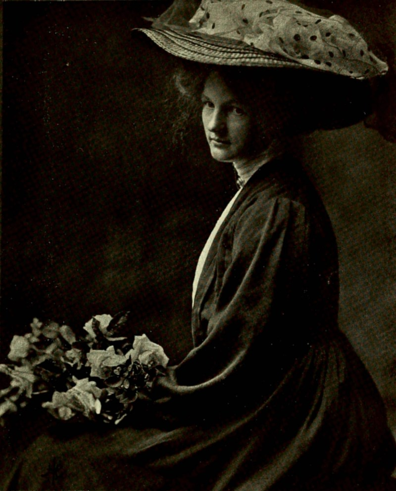 Portrait of My Cousin photographed by Harold Cazneaux 1909
