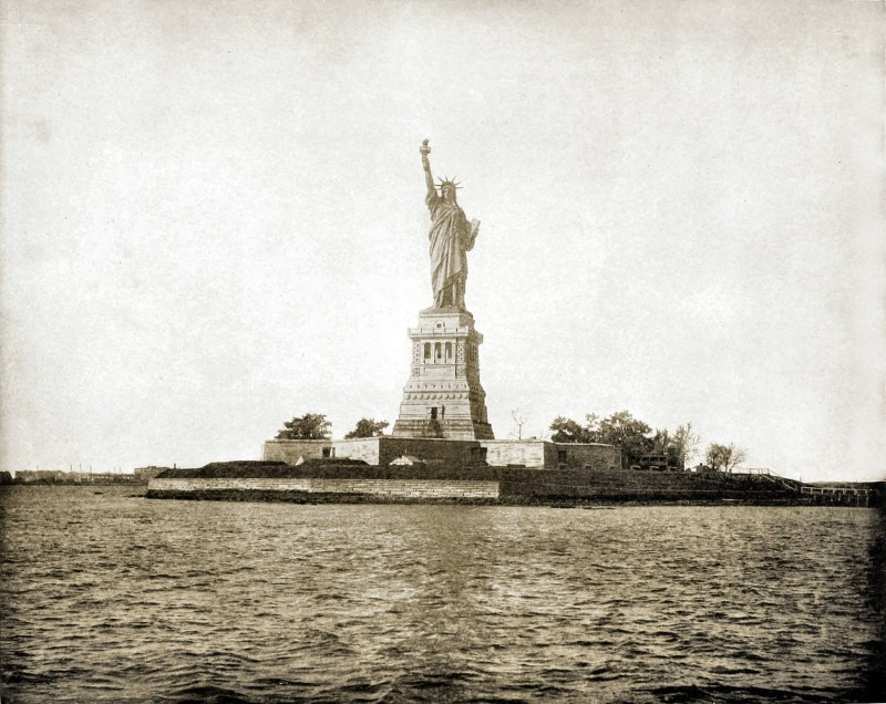 statue-of-liberty-new-york-usa-about-1892