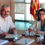 Juanma Ramón y Mónica Oltra durante la reunión