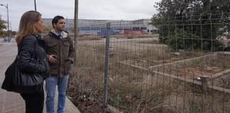 Sagredo y Campos junto a la parcela donde se construirá el nuevo ecoparque en Paterna