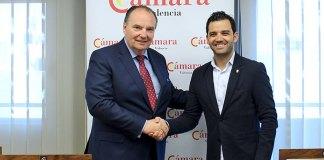Sagredo junto a José Vicente Morata tras la firma del acuerdo