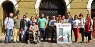 Instante de la inauguración de la exposición del Festival de Cine de Paterna