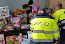 Imagen de trabajadores de Asivalco en una foto de archivo de una campaña de recogida de juguetes
