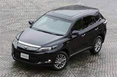 2014-Toyota-Harrier-01