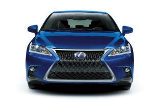 2014-Lexus-CT200h-Facelift-0003
