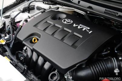 2014_Toyota_Corolla_Altis_Driven_ 162