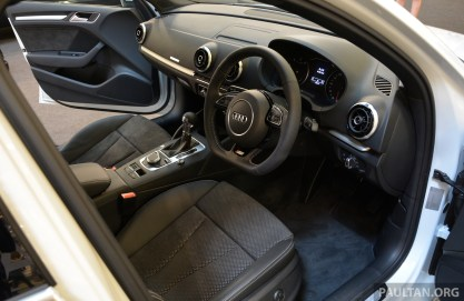 Audi A3 Sedan 1U display 7
