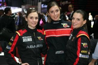 2016 Geneva Motor Show girls - 28