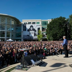 apple-ceo-tim-cook-celebrates-steve-jobs