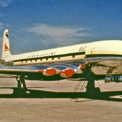 Aeromaritime_de_Havilland_Comet_1_Groves