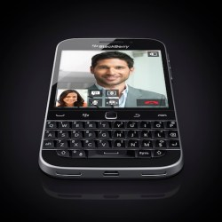 BlackBerry_classic_black_angle3_frontlean