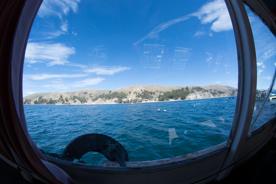 Dans le bateau pour la traversée