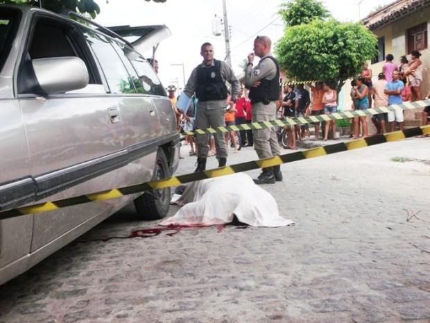Polícia suspeita que crime tenha ligações com o tráfico de drogas.
