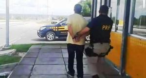 O homem, que é de São Paulo, estava no Nordeste desde o mês passado e é integrante de uma quadrilha especializada em assaltos a banco.