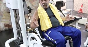 Aos 69 anos, Ex-presidente orienta brasileiros a praticar esportes