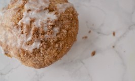 Deliciously Simple Apple Snickerdoodle Muffins