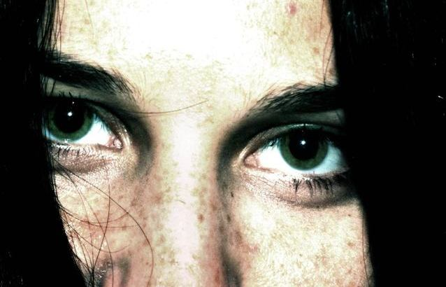 closeups-eyes-rage-emotion-1440565-638x455