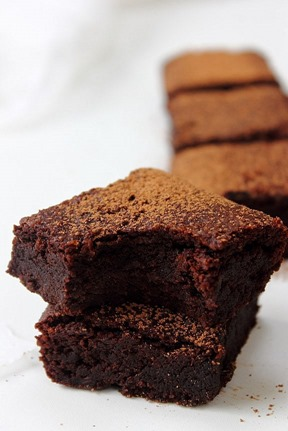 All kinds of almond brownies (1)