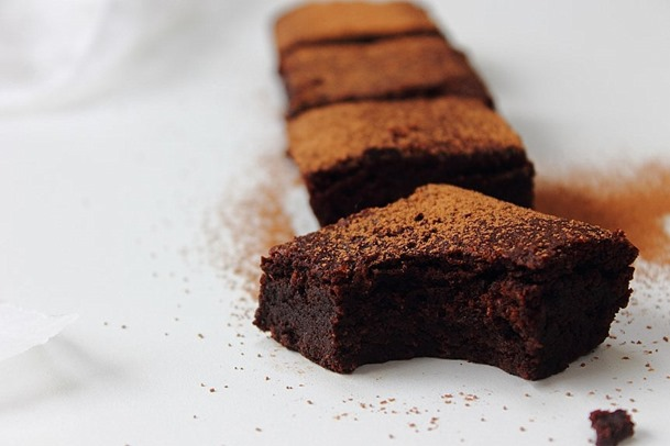 All kinds of almond brownies (33)