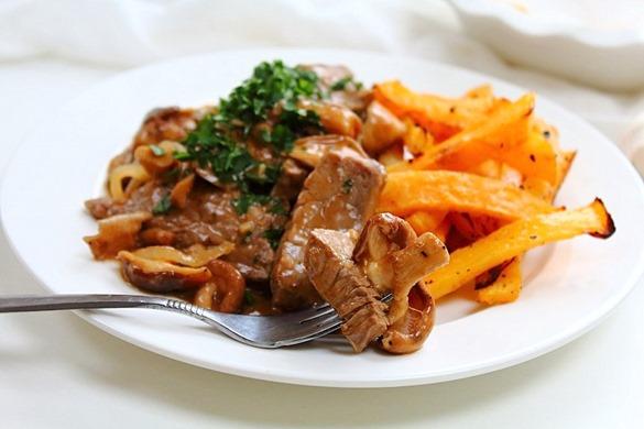 Beef and Mushroom Stroganoff (22)