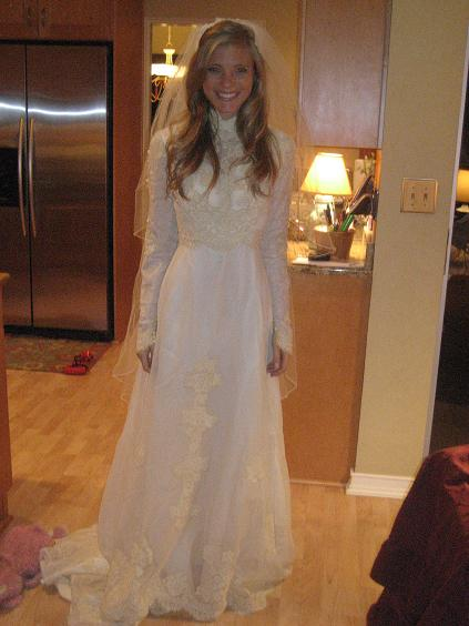 wedding dress mom