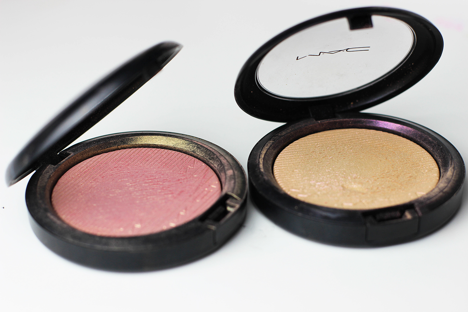highlighters Skinfinish_Extra Dimension_MACcosmetics-8