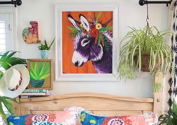 www.pegasebuzz.com | Interior decor : Spring Whitaker - donkeys