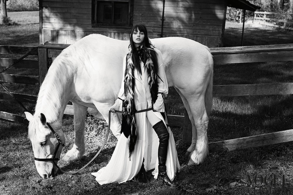 www.pegasebuzz.com | Vittoria Ceretti by Luigi and Lango for Vogue Germany, november 2017